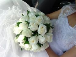 Restaurant Dov Timisoara:Dov Evenimente, Flori pentru nunta, buchete de mireasa, decoratiuni si sala de evenimente