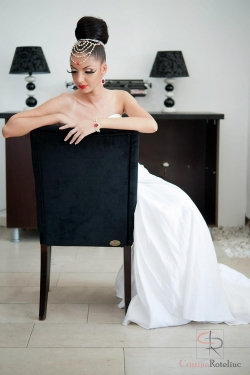Salon La Femme Timisoara:Salon La Femme, Coafura, cosmetica, make-up, manichiura cu gel, pedichiura, Timisoara